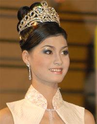 Hoa hậu Bùi Thị Diễm.