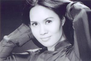 Ca sĩ Mai Hoa.