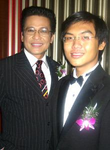 MC Thanh Bạch và con trai. Ảnh: P.C.