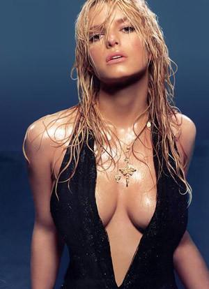 Dẫn đầu danh sách là ca sĩ Jessica Simpson. Ảnh: Celebrity.