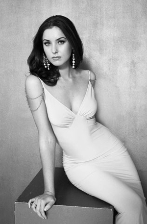Natalie Glebova - một trong những người đẹp nhất thế giới. Ảnh: GB.