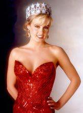Kelli McCarty khi đăng quang Miss USA 1991. Ảnh: NBC.