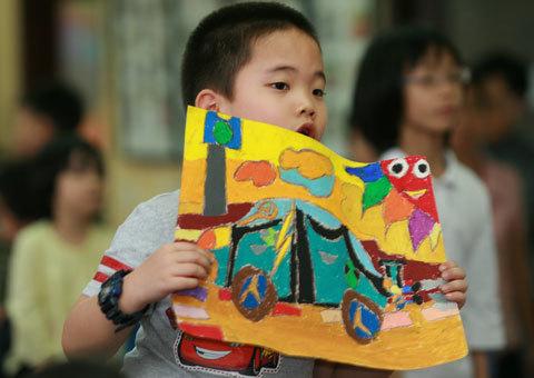 Cuộc thi trở thành sân chơi đầy hấp dẫn cho các em nhỏ, thu hút sự quan tâm của các bậc phụ huynh và góp phần không nhỏ trong nỗ lực cải thiện sức sáng tạo của các em thiếu nhi. Ảnh: BTC.
