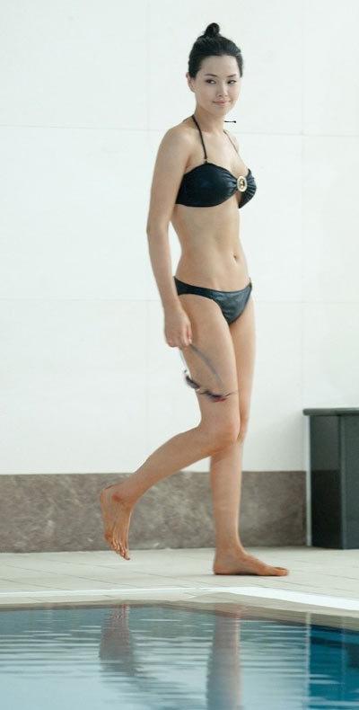 Đã 3 năm kể từ khi đăng quang Hoa hậu Hàn Quốc, Lee Honey vẫn giữ được vóc dáng sexy. Ảnh: KBS.