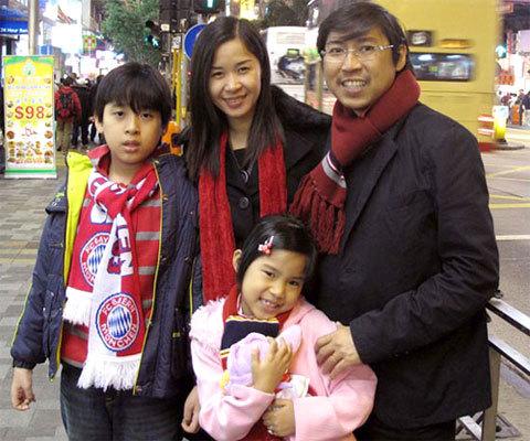 Huỳnh Phúc Điền cùng vợ và hai con trong chuyến du lịch cuối cùng trước khi anh mất.