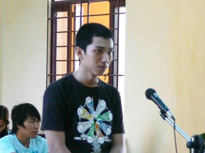 Trí Hải tại phiên tòa xét xử về tội lái xe gây chết người. Ảnh: Xuân Hoàng.