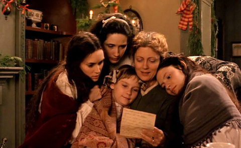 Người mẹ và 4 cô con gái quây quần trong dịp Giáng sinh.
