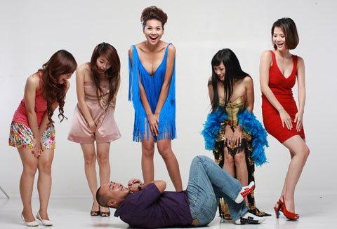 Dũng Khùng hài hước cùng các nữ diễn viên của