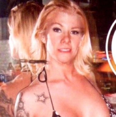 Melissa Smith là người thứ hai tuyên bố có qua lại bất chính với Jesse James. Ảnh: Star. http://www.starmagazine.com/jesse_james_mistress_melissa_smith/news/16658