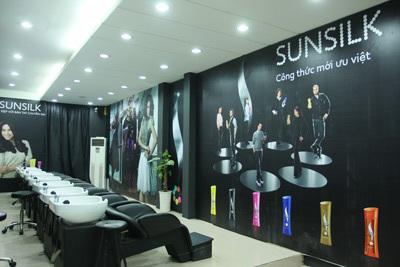 Sunsilk Co-creations Salon - Không gian lý tưởng cho việc chăm sóc tóc của các bạn gái Hà Nội.