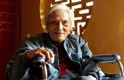 Nhà thơ Hoàng Cầm.