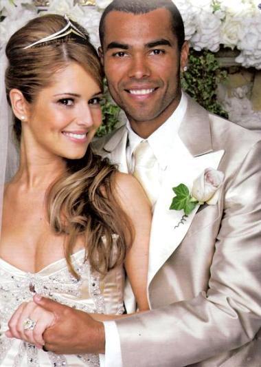 Cheryl và Ashley Cole hạnh phúc trong ngày cưới. Ảnh: OK.