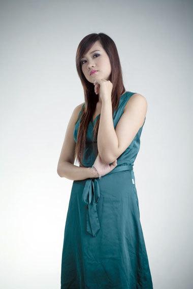 Thanh Hoa, em gái người đẹp Lan Hương vào vai Diệu Linh, nữ chính trong phim.