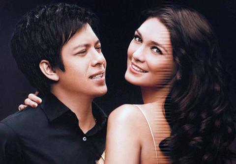 Cặp tình nhân Ariel và Luna Maya vẫn phủ nhận sự xuất hiện của họ trong các clip sex. Ảnh: Asiaone.
