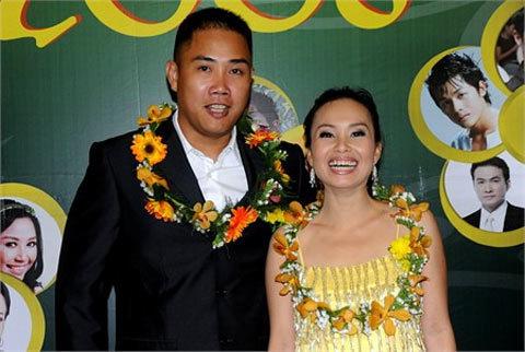 Vợ chồng Cẩm Ly luôn song hành trong các sự kiện. Ảnh: Lý Võ Phú Hưng.