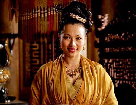 Ngô Mỹ Uyên vào vai mẹ vua Lê Long Đĩnh.