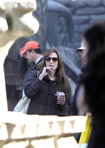 Angelina đang quay phim ở Budapest (Hungary). Ảnh: AFP.