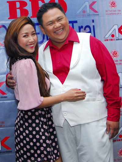 Ốc Thanh Vân (trái) sẽ cùng 3 Mc còn lại: Diễm Quỳnh, Tấn Beo, Quyền Linh giữ vai trò làm MC cho chương trình livwshow của Minh béo.