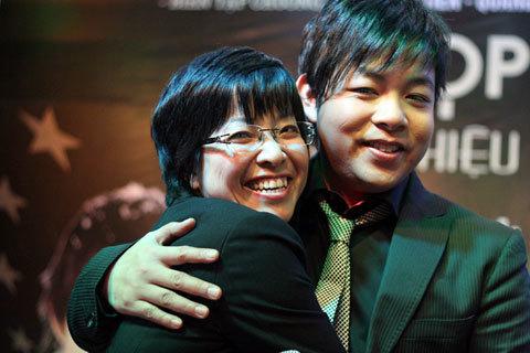 Thảo Vân cho biết, chị cũng là một fan của chàng ca sĩ gốc Huế.