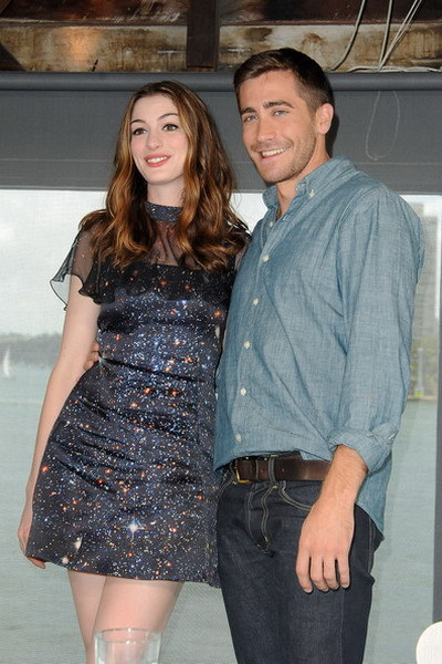 Diễn xuất của Anne Hathaway và Jake Gyllenhaal trong 'Love and Other Drugs' nhận được nhiều lời khen ngợi. Ảnh: PacificCoast.