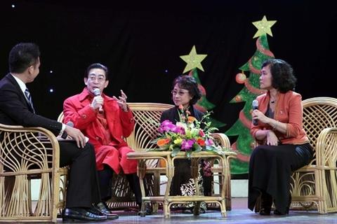 Khán giả, phần lớn là các em thiếu nhi cùng phụ huynh, đã háo hức xin chữ ký và chụp ảnh chung với ông từ dưới khán phòng, đến khi Lục Tiểu Linh Đồng lên sân khấu, trong nhà hát rộ lên tiếng reo vui.