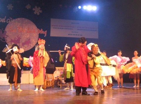 Lục Tiểu Linh Đồng rất thích màn diễn của nghệ sĩ Hồng Kỳ.