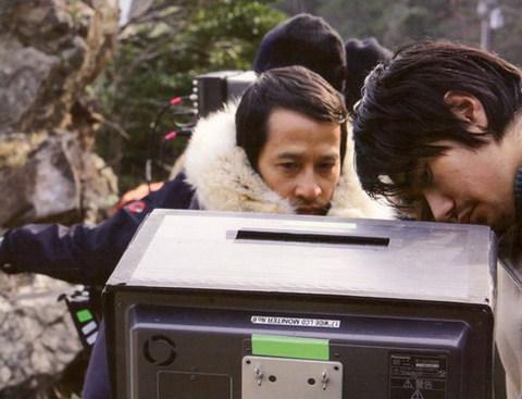 Đạo diễn Trần Anh Hùng trên trường quay.