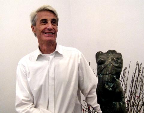 Blake, nghệ sĩ điêu khắc người Canada.