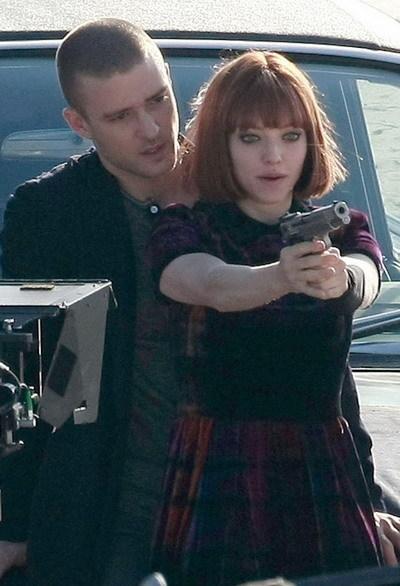 Justin Timberlake và Amanda Seyfried trên trường quay phim