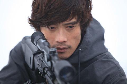 Nhân vật Kim Huyn Jun thu hút Lee Byung Hun vì vừa có nhiều cảnh hành động, vừa có nhiều trường đoạn thể hiện nội tâm giằng xé.