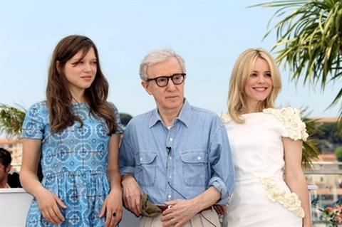 (Từ trái sang) Lea Seydoux, Woody Allen và Rachel McAdams.