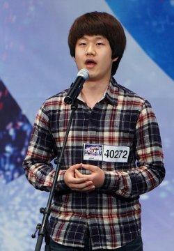 Choi Sung Bong trong chương trình Korea's Got Talent.