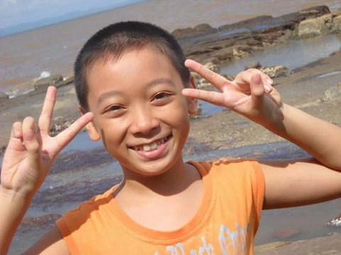 Vũ Song Vũ, tác giả bản cover 'My Heart Will Go On' gây sốt trên mạng ba ngày qua, mới chỉ 12 tuổi.