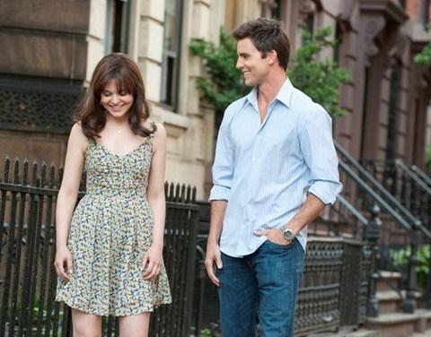 Một cảnh quay lãng mạn giữa hai nhân vật Rachel và Dex trong phim. Ảnh: Warner Bros.