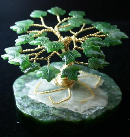 Cây Kim Chi Ngọc Diệp tuyệt đẹp có đế bằng ngọc bích (Cây cành vàng lá ngọc).