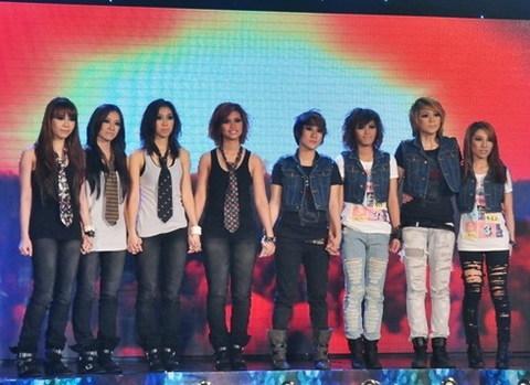 8 cô gái trong đêm thi chủ đề nhạc Rock cuối tuần trước. Ảnh: HOD.