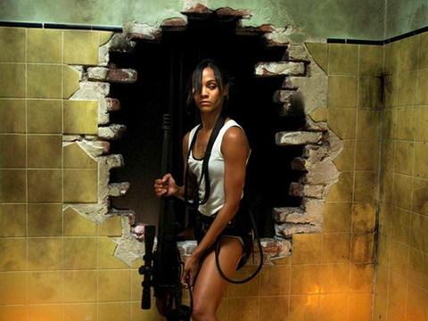Zoe Saldana mạnh mẽ và nóng bỏng trong 'Colombiana'. Ảnh: Lionsgate.