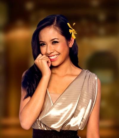Kiều Khanh đoạt ngôi Hoa hậu người Việt tại châu Âu 2009 và về nước dự thi Hoa hậu Thế giới Người Việt 2010. Cô cũng đại diện Việt Nam tham dự Miss World 2010 tổ chức ở Trung Quốc.