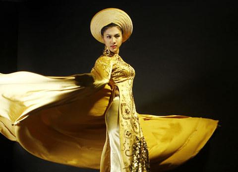 Kim Dung là người mẫu thứ hai được cấp phép tham dự cuộc thi Siêu mẫu châu Á Thái Bình Dương.