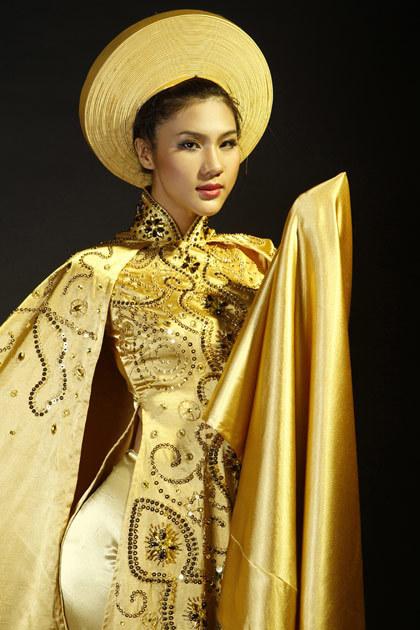 Trong đêm chung kết, Kim Dung sẽ biểu diễn bộ áo dài này.