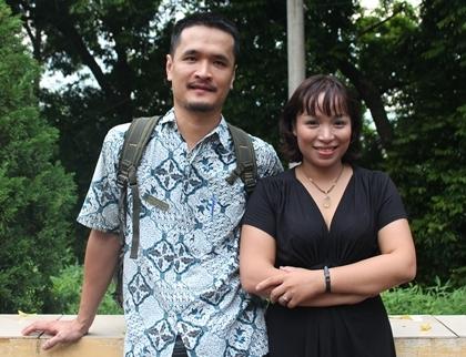 Nhà thơ Trần Vũ Long và nhà thơ Trần Hoàng Thiên Kim.