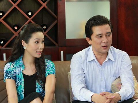 Nam diễn viên Cao Hoàng (bìa phải) vào vai Hoàng, chồng của nhân vật Mai Nhung do Kim Chi thể hiện trong phim. Ảnh: Nhật Anh.