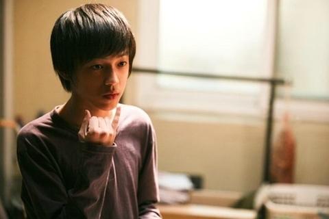 Diễn viên nhí Baek Seung Hwan trong vai em học sinh Min Soo.