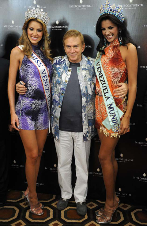 """Cũng như các Miss Venezuela khác, Ivian Sarcos trưởng thành từ lò đào tạo hoa hậu của """"ông thầy phù thủy"""" Osmel Sousa."""