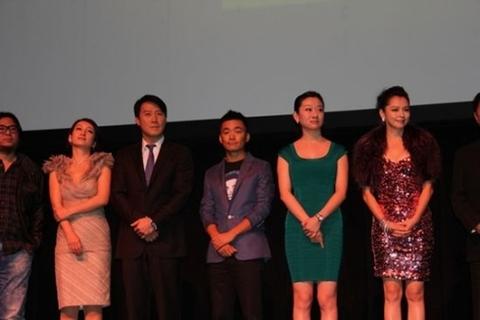 Thiên vương Hong Kong cùng nhiều nghệ sĩ gốc Hoa khác tại sự kiện.