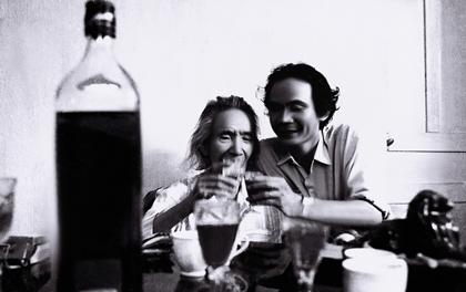 Bức ảnh chụp nhà thơ Nguyễn Trọng Tạo và nhạc sĩ Văn Cao năm 1994.