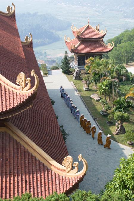 """""""Thiền viện Trúc Lâm Tây Yhieen"""" của Tuan Lai."""