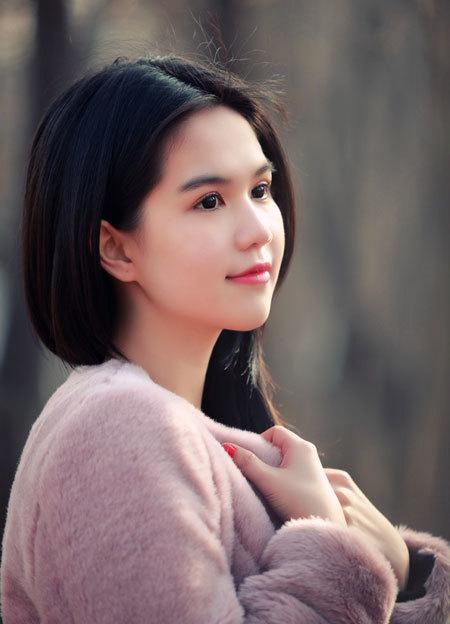 ngoc-trinh-2-1345805687_480x0.jpg