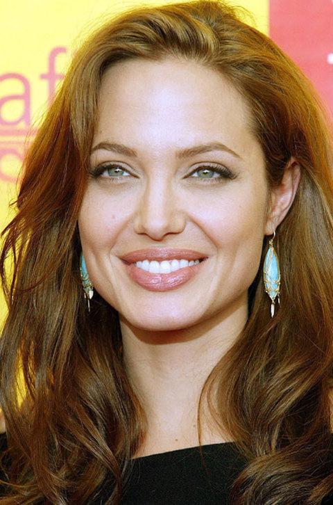 Nữ diễn viên xinh đẹp Angelina Jolie. Ảnh: Starmedia.