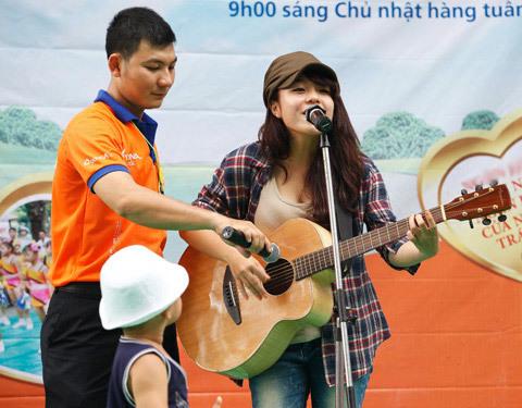 thai-trinh-hat-2-1350380833_480x0.jpg